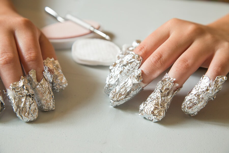 How To Remove Of Acrylic Nails Using Aluminum Foil