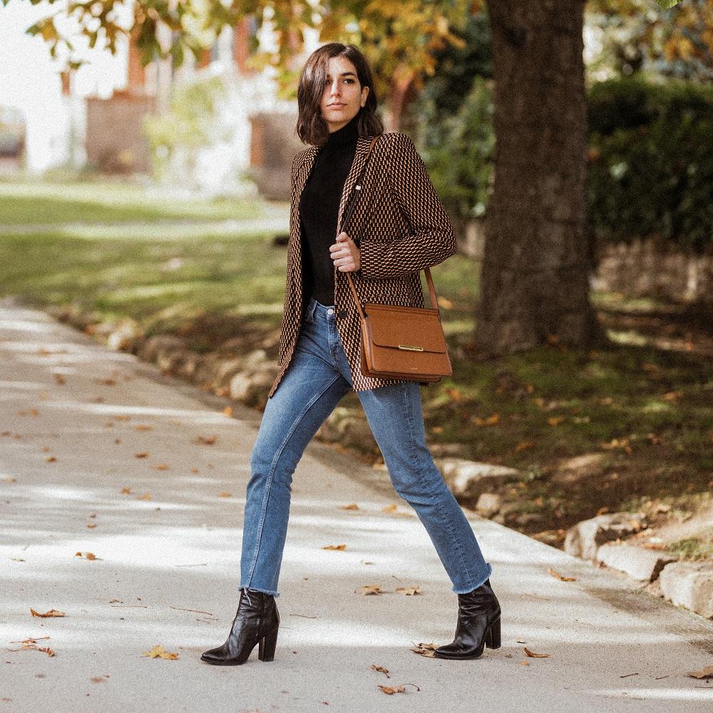 Plain jeans and a blazer