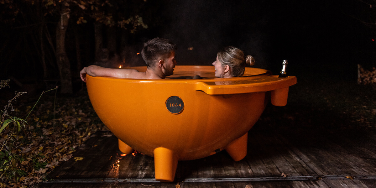 Take a romantic couple bath together